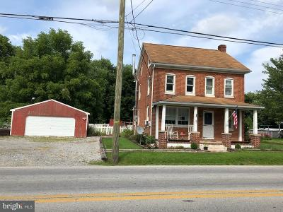 New Oxford Single Family Home For Sale: 274 Hanover Street