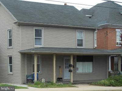 Elizabethtown Multi Family Home For Sale: 554 S Market Street