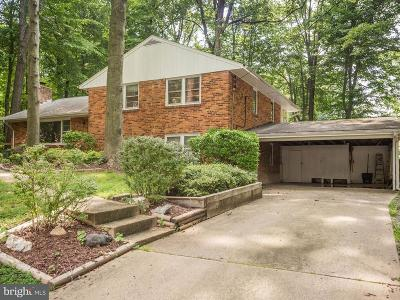 Fairfax Single Family Home For Sale: 2905 Swanee Lane