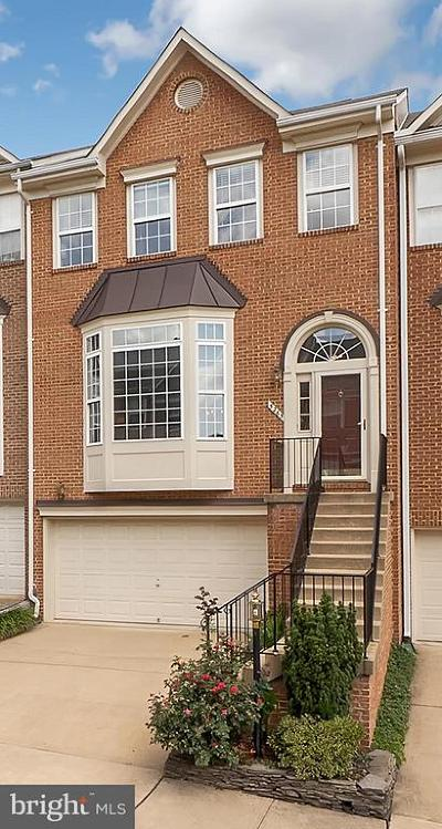 Alexandria Townhouse For Sale: 5265 Cozy Glen Lane