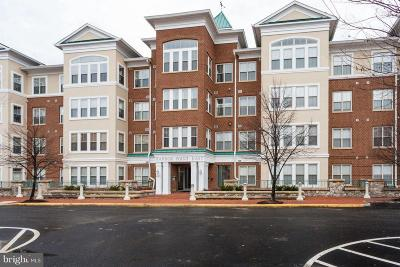 Woodbridge VA Condo For Sale: $320,000