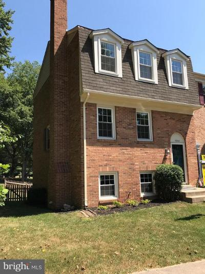 Woodbridge Townhouse For Sale: 11324 Cromwell Court