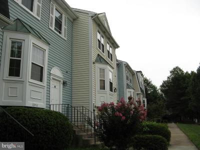 Centreville Townhouse For Sale: 13972 New Braddock Road