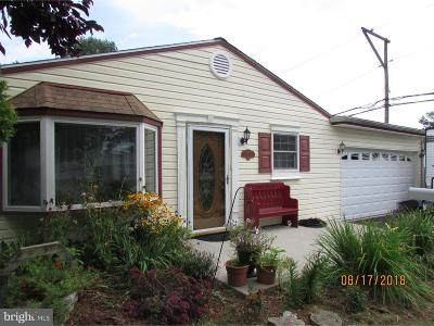 Levittown PA Single Family Home For Sale: $245,000