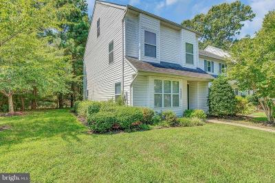 Calvert County, Charles County, Saint Marys County Townhouse For Sale: 48225 Picketts Harbor Court