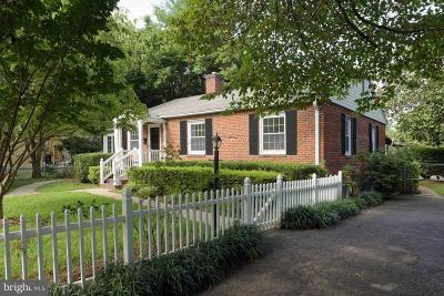 Middleburg Single Family Home For Sale: 208 Sycamore Street