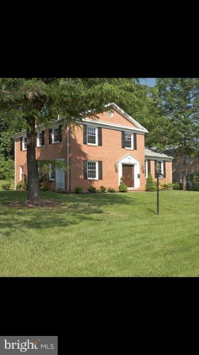 Bethesda Single Family Home For Sale: 9910 Derbyshire Lane