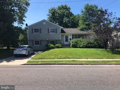 Burlington Single Family Home For Sale: 6 Walnut Drive