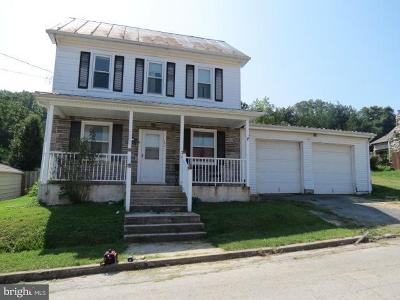 Mount Holly Springs Single Family Home For Sale: 101 Hill Street
