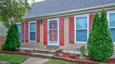 Single Family Home Active Under Contract: 5608 Roundtree Drive