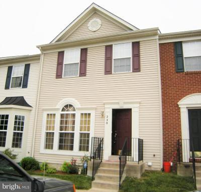 Stafford Townhouse For Sale: 220 Hemlock Drive