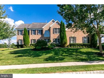 Moorestown Single Family Home For Sale: 124 Oakmont Drive