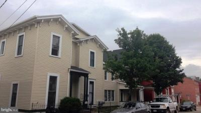 Cumberland Multi Family Home For Sale: 212 Decatur Street