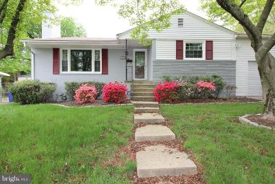 Bethesda Single Family Home For Sale: 9613 Singleton Drive
