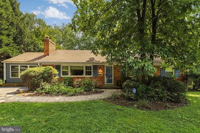 Falls Church Single Family Home For Sale: 6555 Dearborn Drive
