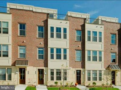 Locust Point Townhouse For Sale: 1602 Rampart Mews