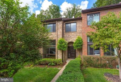 Springfield Townhouse For Sale: 8725 Sheridan Farms Court
