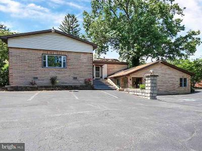 Harrisburg Multi Family Home For Sale: 1465 Colonial Road