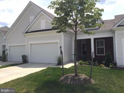 Townhouse For Sale: 206 Long Point Drive