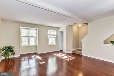 Gainesville Townhouse For Sale: 14357 Newbern Loop
