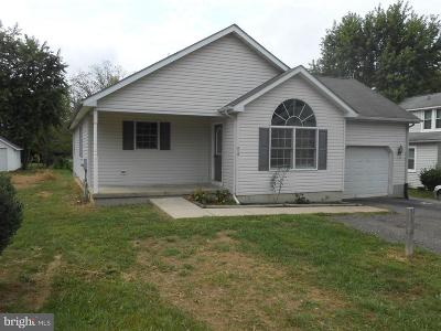 Elkton Single Family Home For Sale: 213 Cherry Hill Road