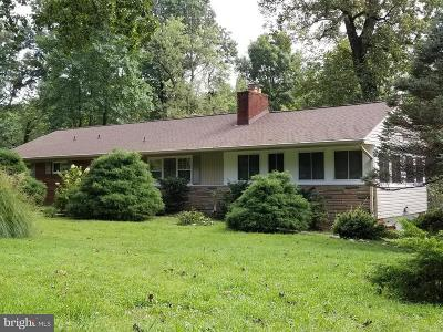 Falls Church Single Family Home For Sale: 6605 Dearborn Drive