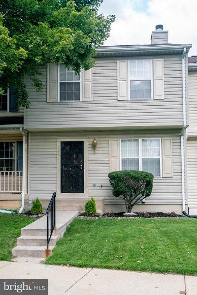 District Heights Townhouse For Sale: 5234 Daventry Terrace S
