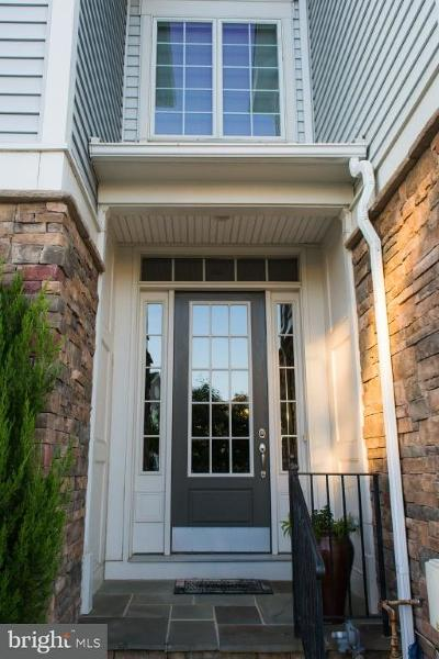Laurel Townhouse For Sale: 8704 Polished Pebble Way