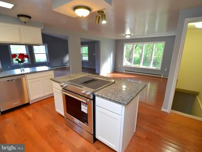 Lothian Single Family Home For Sale: 71 Old Solomons Island Road