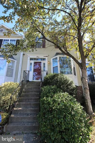 Crofton Townhouse For Sale: 2539 Selkirk Court