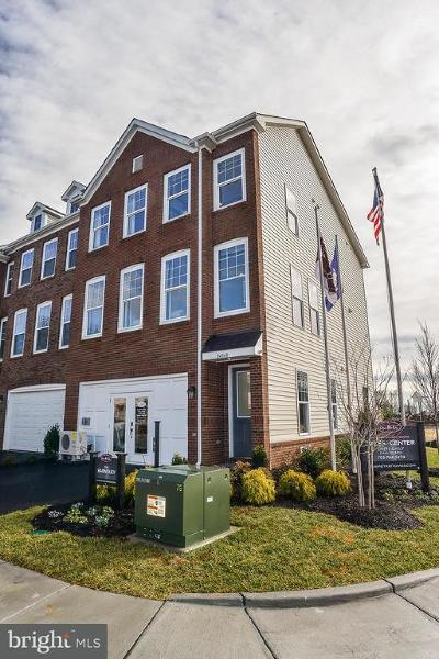 Chantilly Townhouse Under Contract: 42267 Lancaster Woods Square