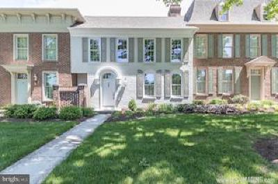 Camp Hill, Mechanicsburg Townhouse For Sale: 41 Devonshire Square
