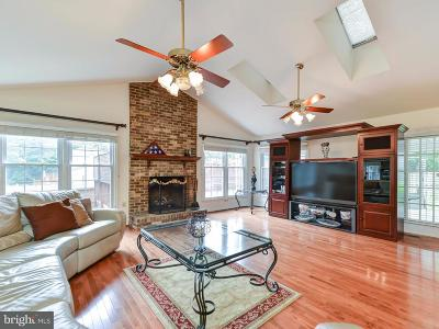 Burke Single Family Home For Sale: 9502 Sailcloth Place
