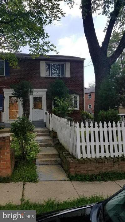 Alexandria City, Arlington County Townhouse For Sale: 56 Gordon Street