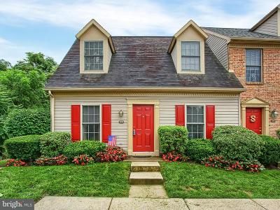 Mechanicsburg Townhouse For Sale: 1408 Timber Chase Drive