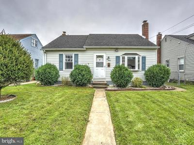 New Holland Single Family Home For Sale: 212 Wecaf Road