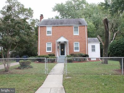 Oxon Hill Single Family Home For Sale: 5604 Woodland Drive