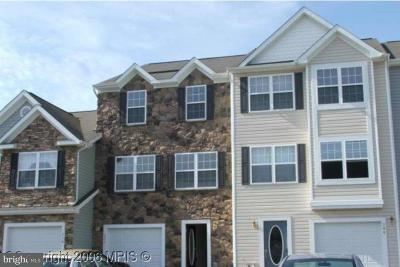 Cambridge Townhouse Active Under Contract: 208 Wood Duck Drive