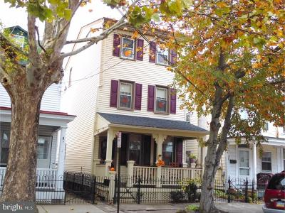 Bristol Single Family Home For Sale: 323 Washington Street