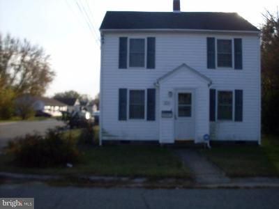 Cambridge Single Family Home For Sale: 834 Fairmount Avenue
