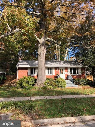Rockville Single Family Home For Sale: 4725 Boiling Brook Parkway