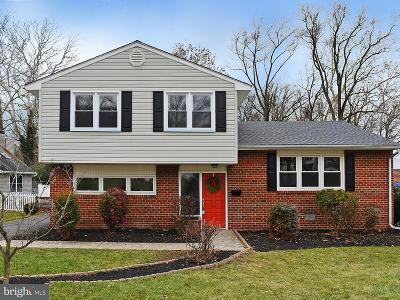 Baltimore Single Family Home For Sale: 932 Beaverbank Circle