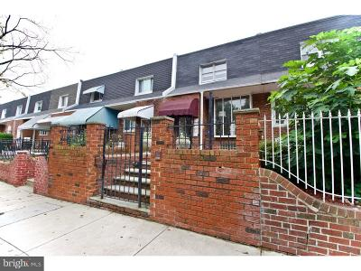 Philadelphia County Townhouse For Sale: 2625 S Lawrence Street
