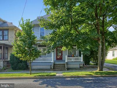 Camp Hill, Mechanicsburg Single Family Home For Sale: 423 W Simpson Street