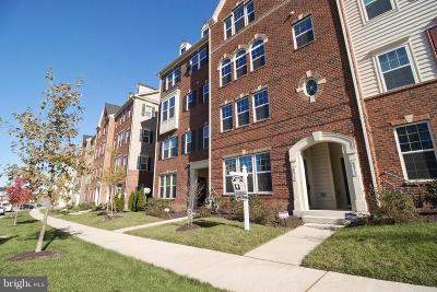 Greenbelt Townhouse For Sale: 8015 Greenbelt Station Parkway