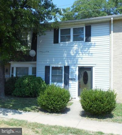 Hughesville, La Plata, Waldorf, White Plains Rental For Rent: 11782 Oak Manor Drive #82
