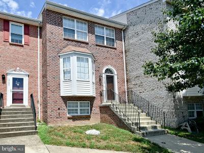 Clinton Townhouse Active Under Contract: 5732 Boniwood Turn
