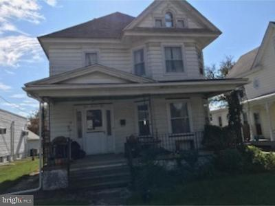 Paulsboro Single Family Home For Sale: 304 W Broad Street