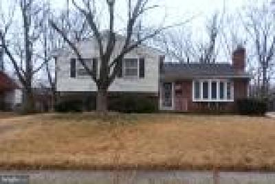 Lanham Single Family Home For Sale: 9621 Woodberry Street