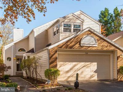 Alexandria Single Family Home For Sale: 7532 Cross Gate Lane